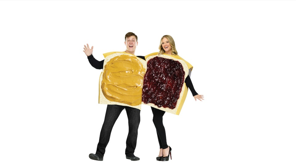 11 Lazy Halloween 2018 Costume Ideas For Couples That Are