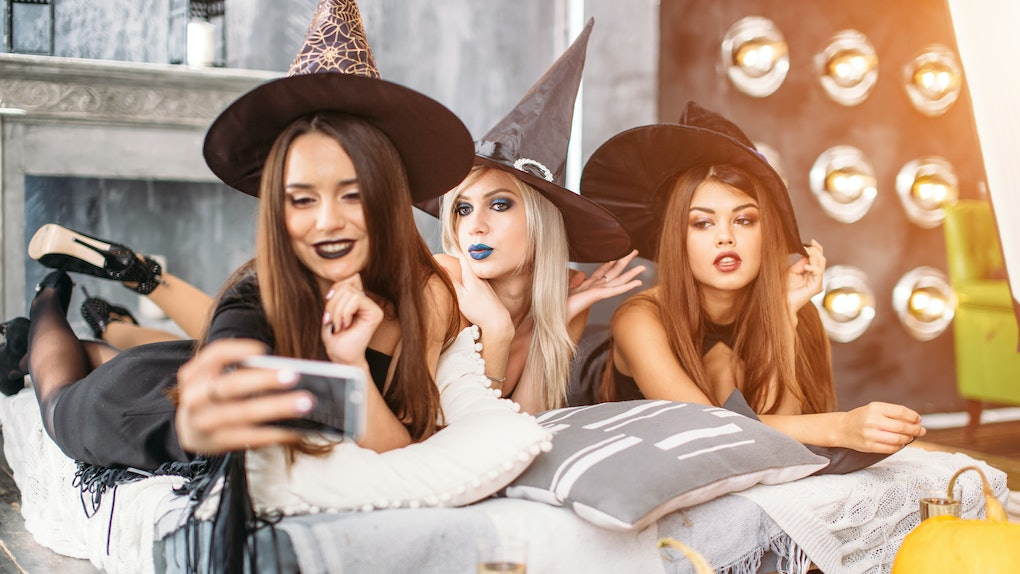 Halloween Costumes For 4 Friends.70 Halloween 2018 Hashtags For All Of Your Bootiful Selfies