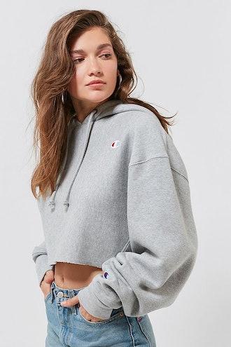 Champion & UO Cropped Hoodie Sweatshirt