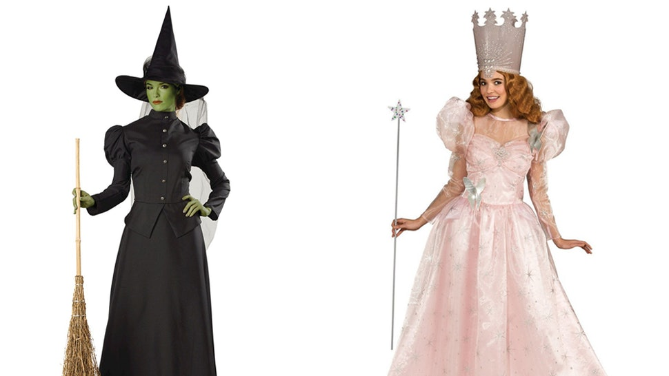 ad1f2aa55 8 Best Friend Halloween 2018 Costumes That You & Your Bestie Can Easily Plan