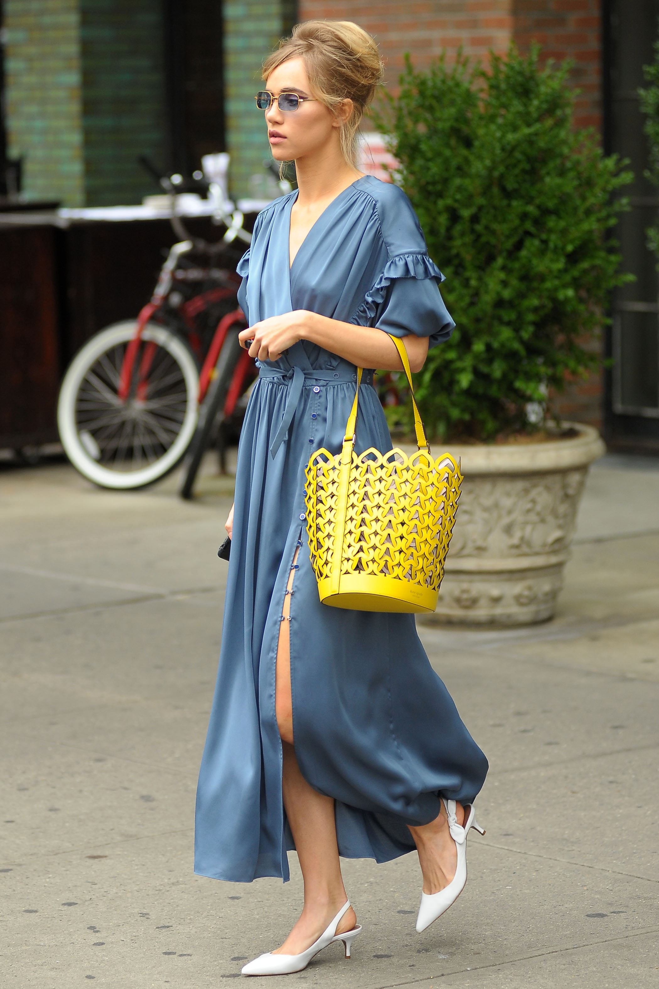 This Yellow Kate Spade Bucket Bag Is Celeb, And Runway, Approved