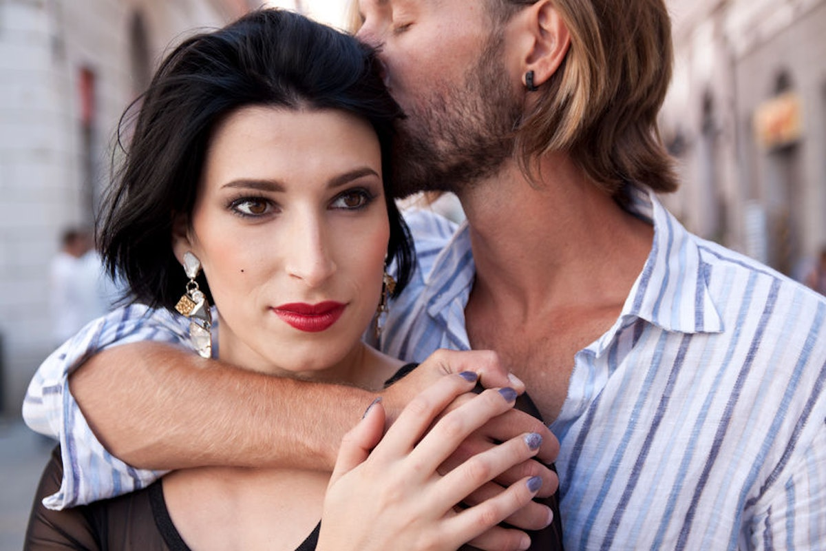Does Seeming Less Interested Really Give You The Upper Hand In Relationships? Experts Explain