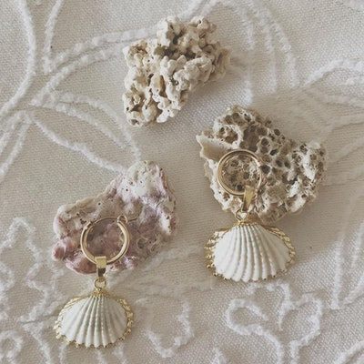 Clam Shell Earring