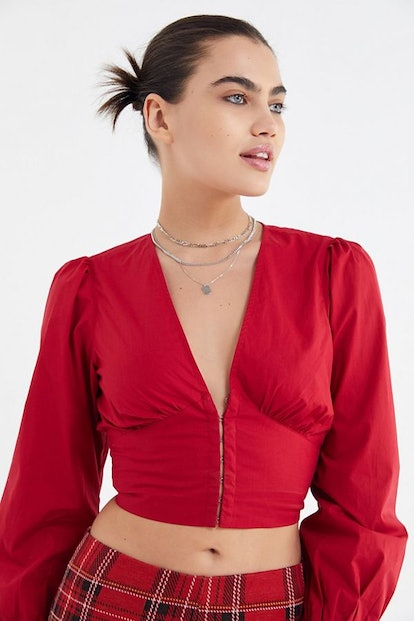 UO Peter Plunging Hook + Eye Cropped Top