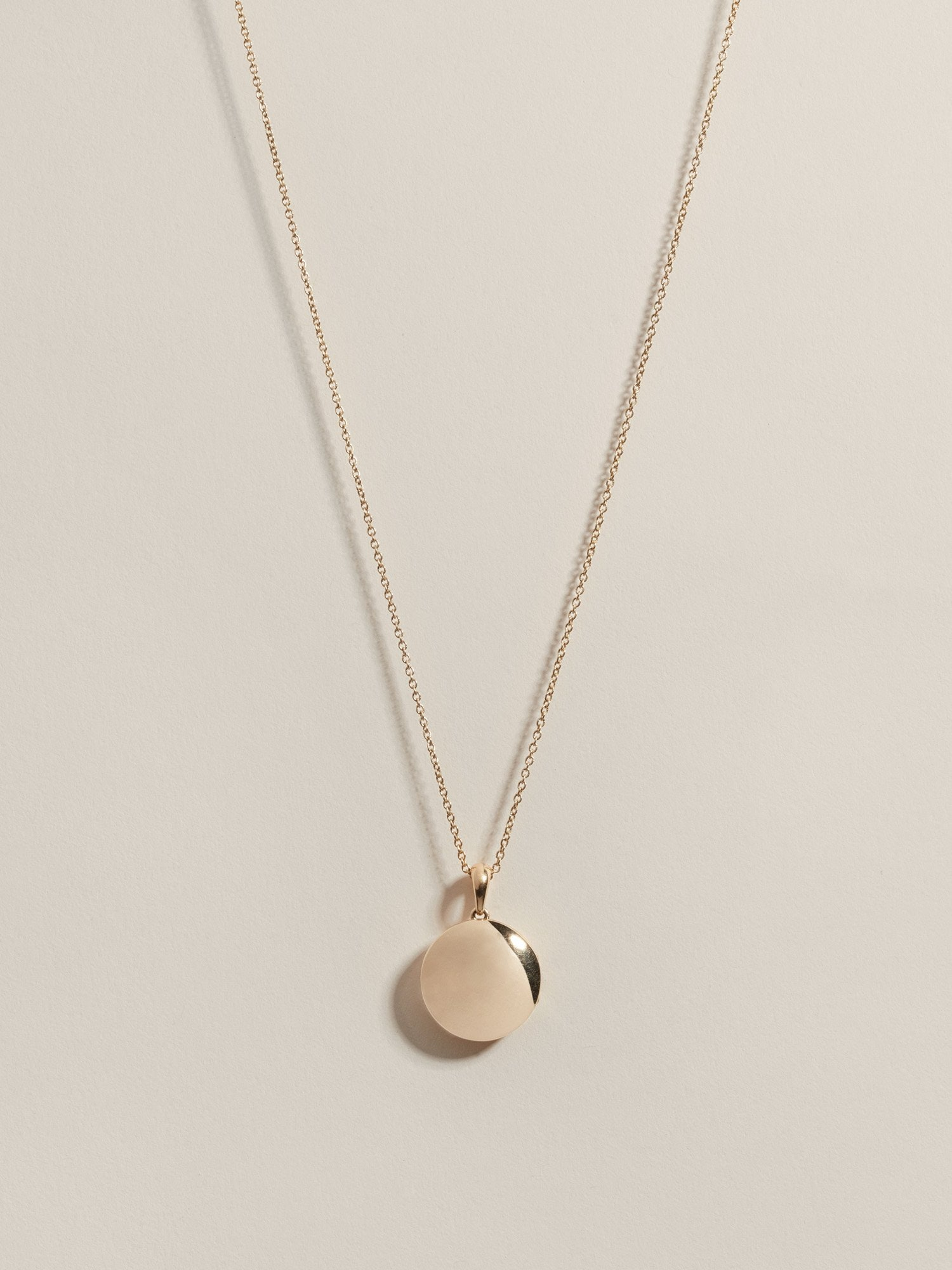 4b54bf463bcde 17 Minimalist Jewelry Brands You Should Know In 2019