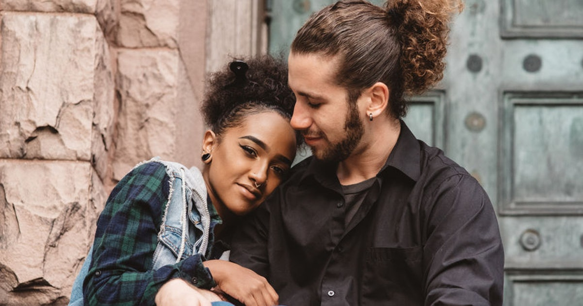 10 Small Gestures To Show Your Partner You Love Them That'll Keep The Sparks Flying