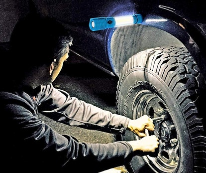 SAFE:BRIGHT Magnetic LED Flashlight