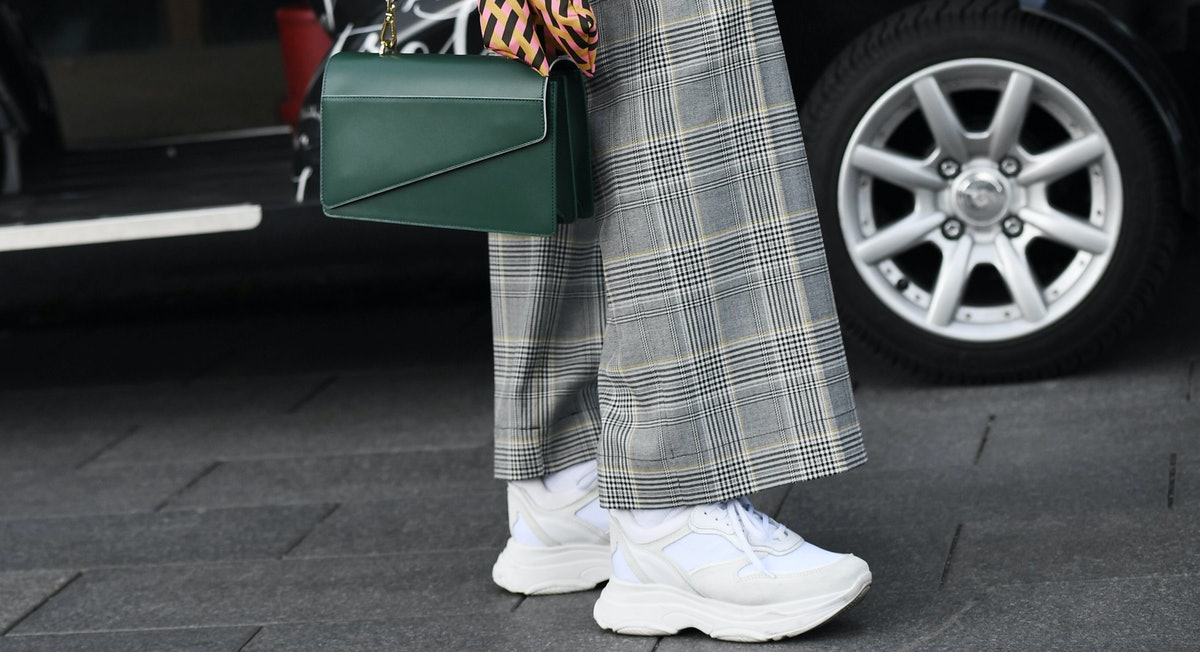 14 Fresh White Sneakers Outfits for Every Type of Style