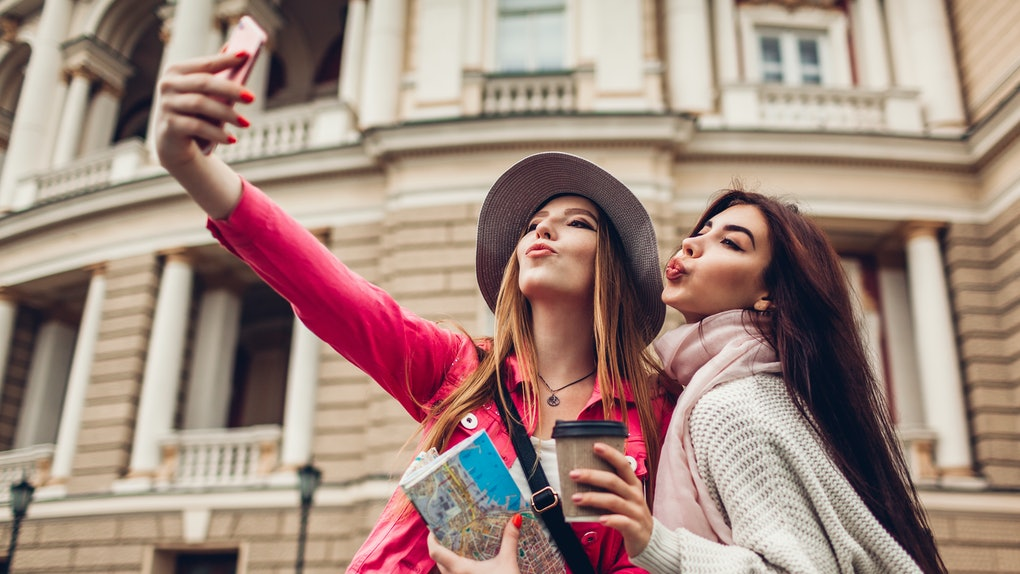 12 Travel Moments To Share With Your Best Friend In Your ...