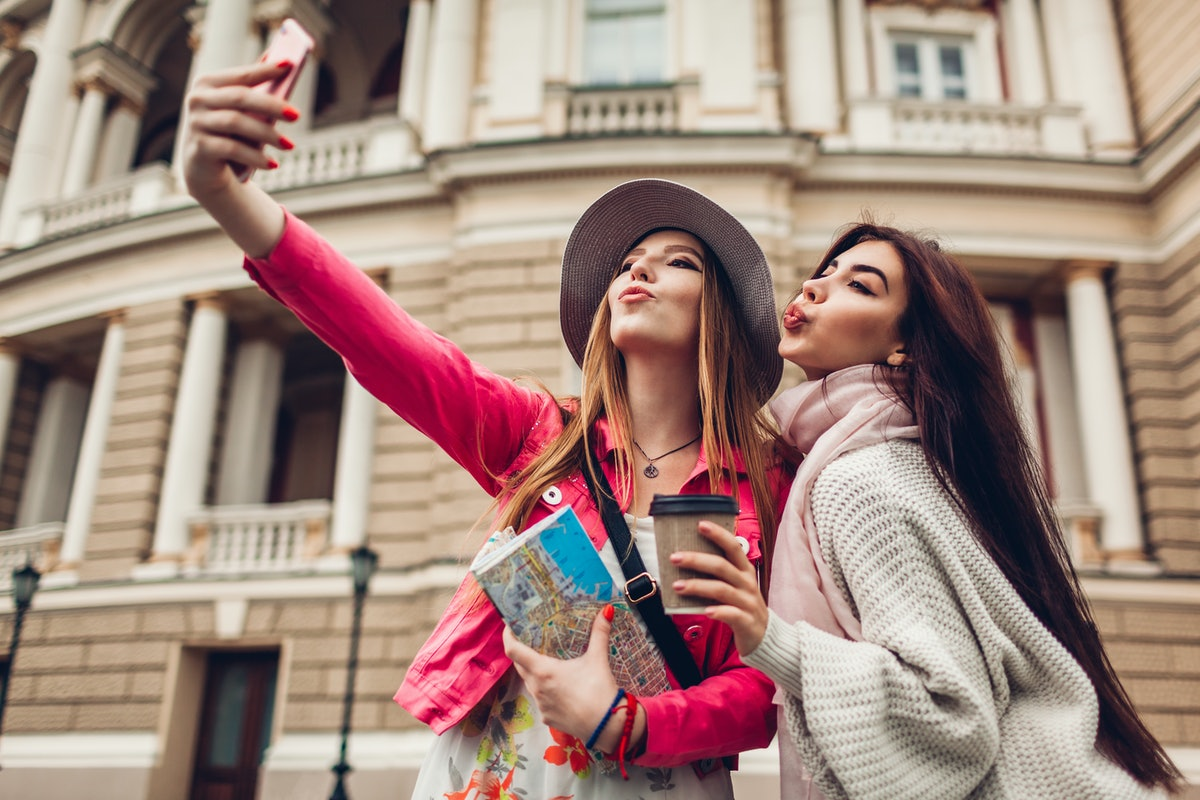 12 Travel Moments To Share With Your Best Friend In Your 20s & Remember Forever
