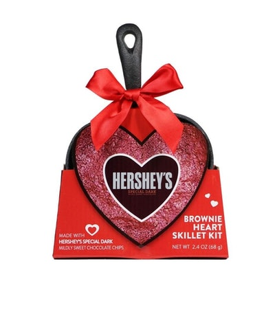 Galerie Valentine's Day Heart Shape Skillet with Hershey's Special Dark Chocolate Brownie Mix