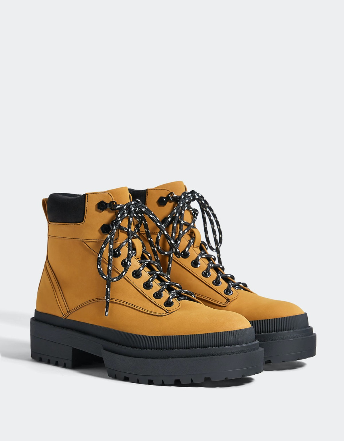 Mountain platform ankle boots