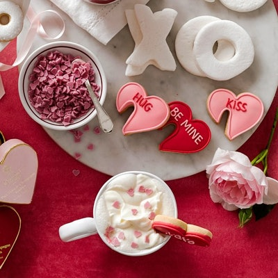 Williams Sonoma Strawberry Heart Hot Chocolate