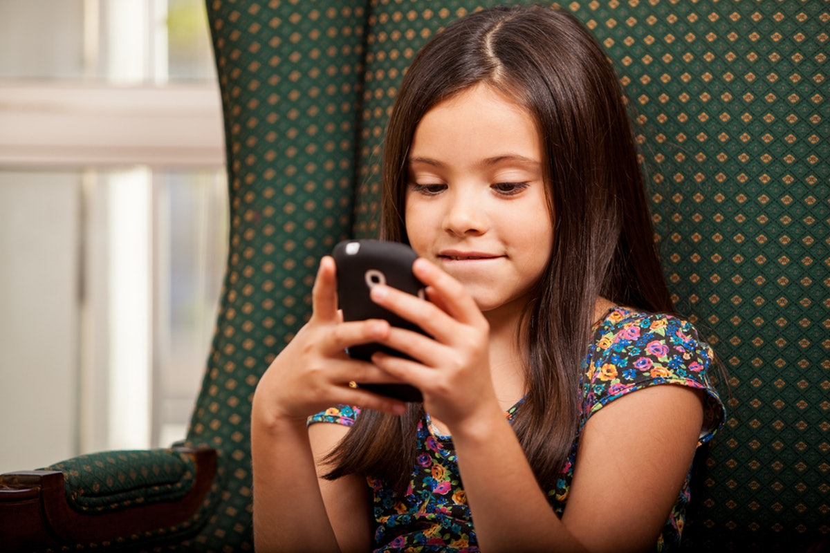 This Dad's New App Will Force Your Kid To Text You Back