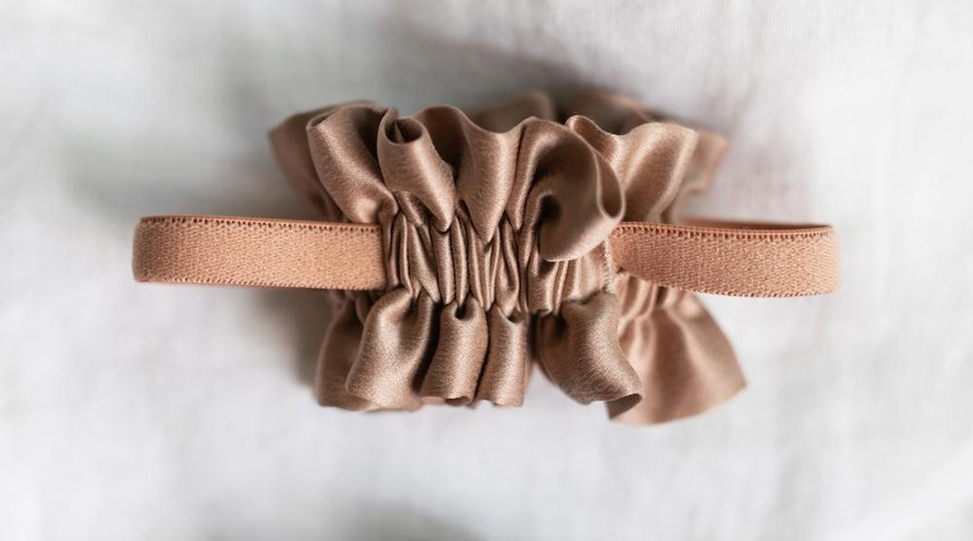 Scrunchies For Sleeping Could Be The Key To Perfect Hair In The Morning 68bbd389353