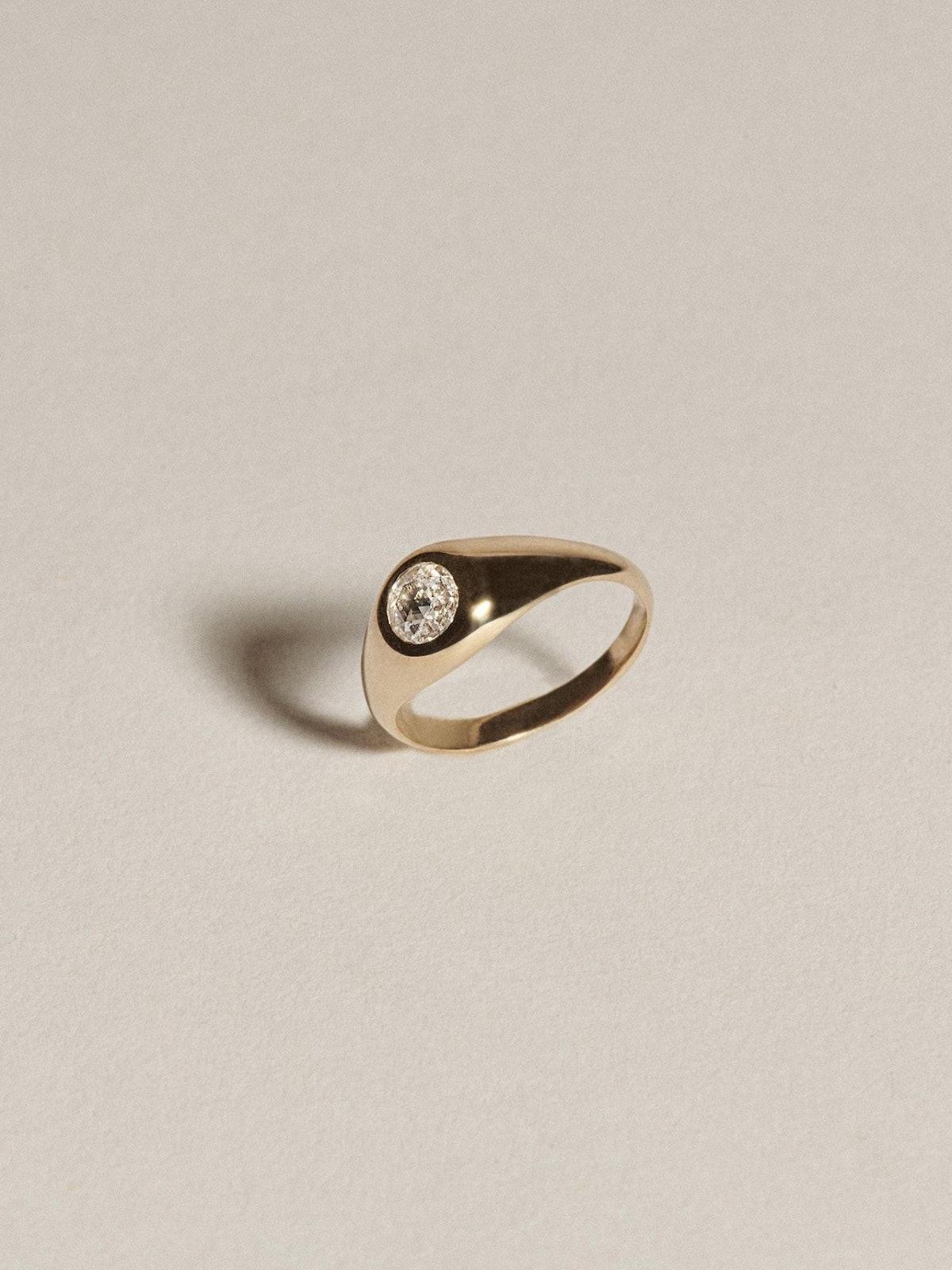 Demi Signet - Diamond