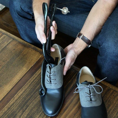 FootFitter Cast Iron Shoe Stretcher