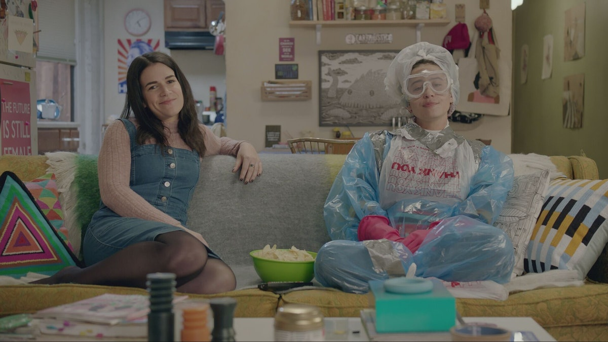 Abbi & Ilana's Apartments On 'Broad City' Have Changed Just As Much As They Have, Says Production Designer Angelique Clark
