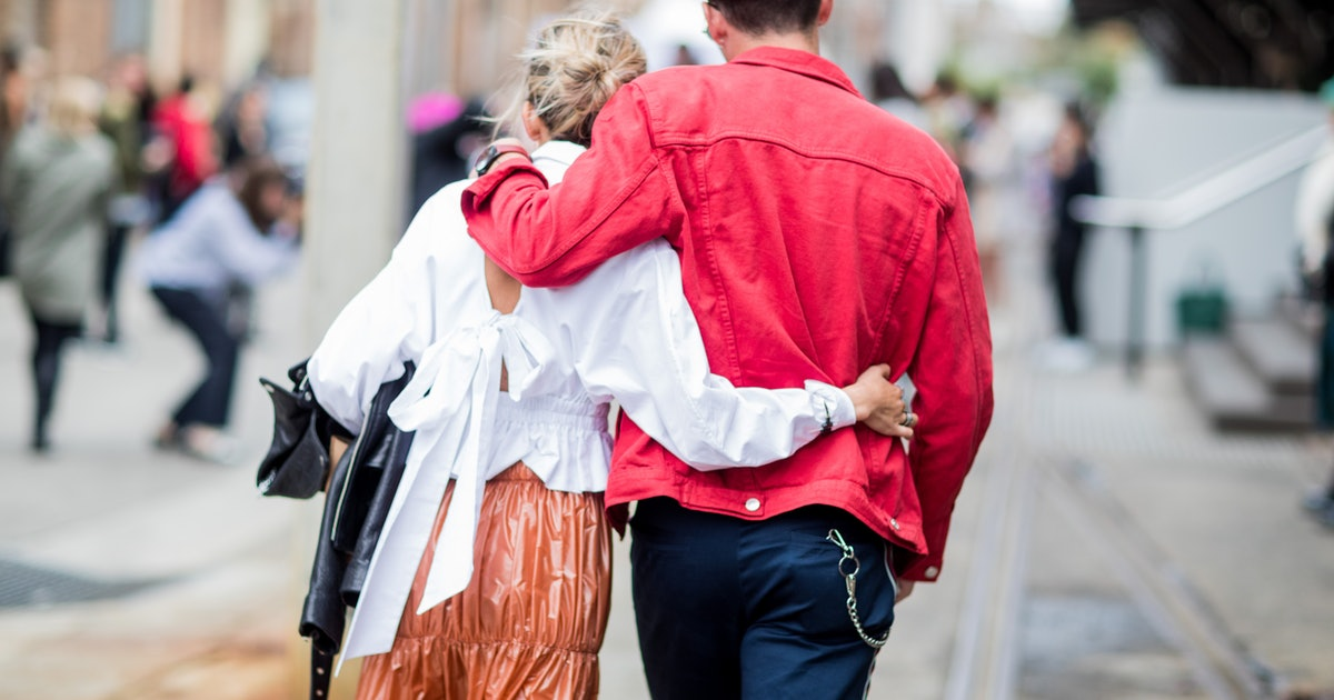 The 3 Most Common Physical Intimacy Issues, According To Relationship Therapists
