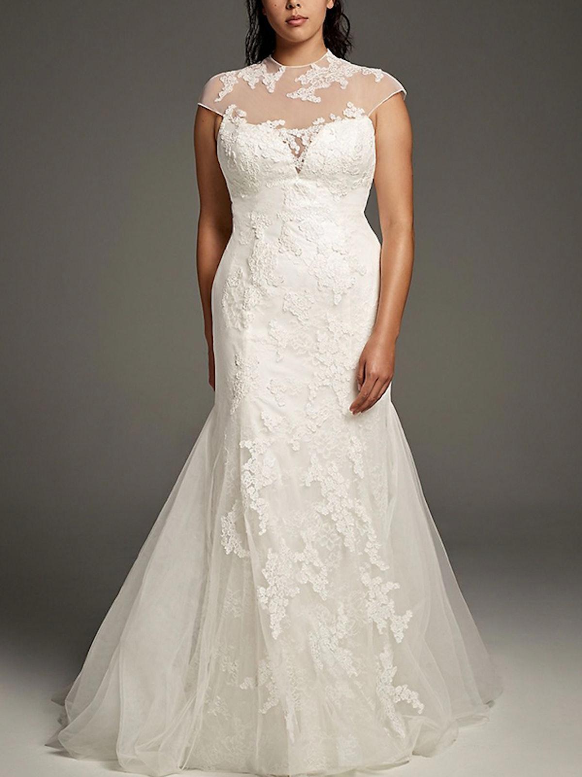 Chantilly Lace Plus Size Trumpet Wedding Dress