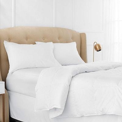 Pinzon Lightweight Down Comforter