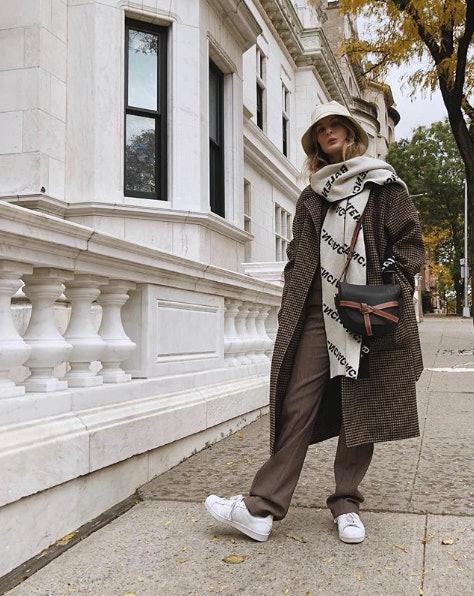 How To Wear Sneakers In Winter In 8