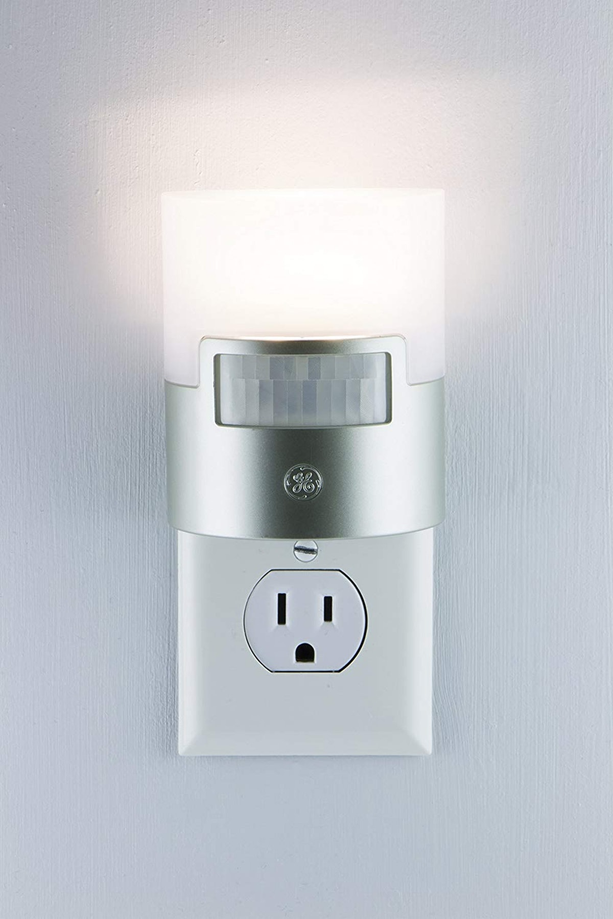 GE Ultra Brite Motion-Activated LED Light