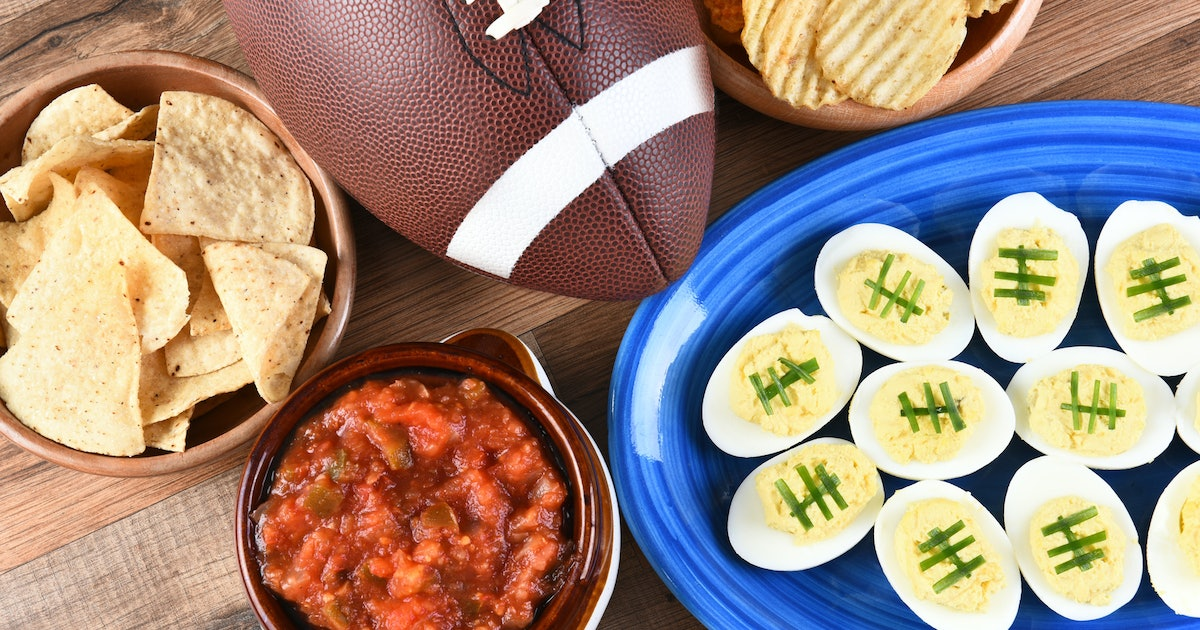 13 Super Bowl Party Instagram Captions That'll Be A Total Touchdown