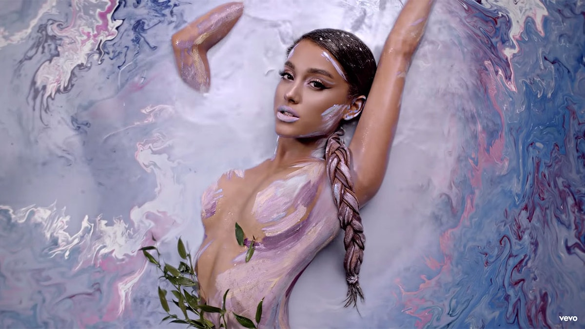 """Artist Alexa Meade Created The Iconic Water Scene In Ariana Grande's """"God Is A Woman"""" Video & So Much More"""