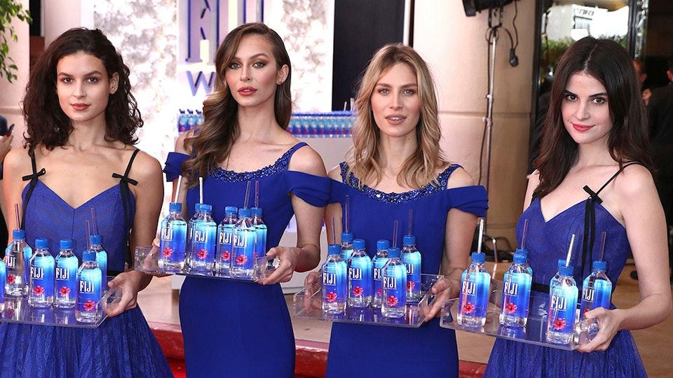 Jamie Lee Curtis Slams Fiji Water Girl Entertainment News