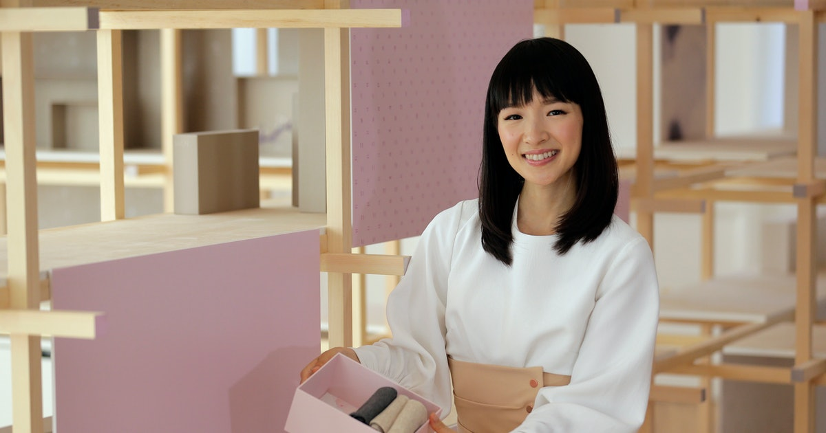 How To Marie Kondo Your Wardrobe, Because 2019 Is All About Living A Clutter-Free Life