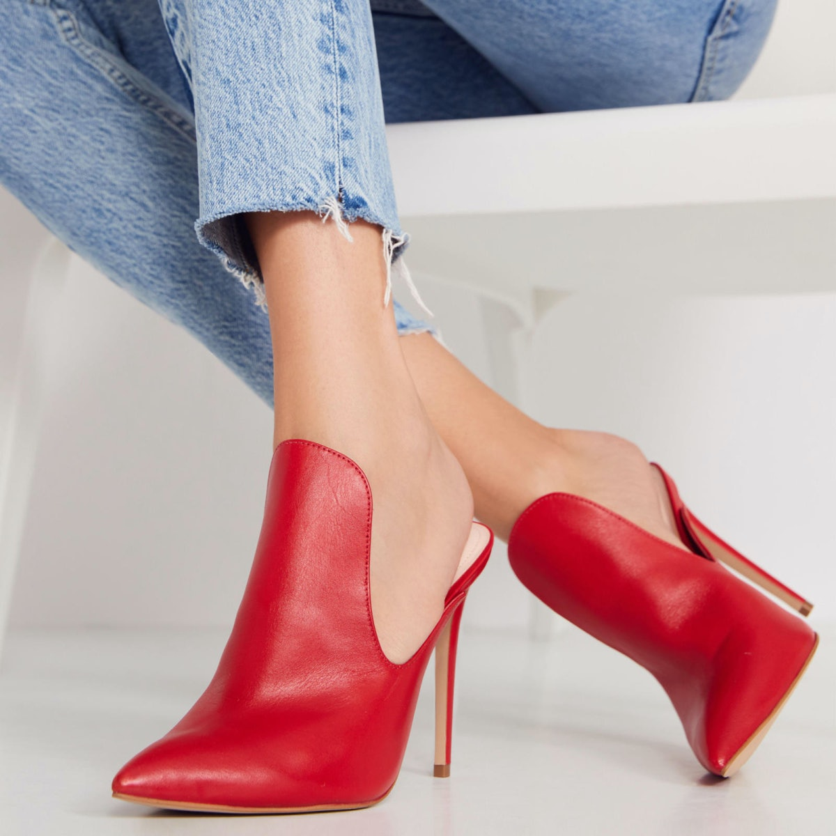 """Tenno Mules in """"Red"""""""