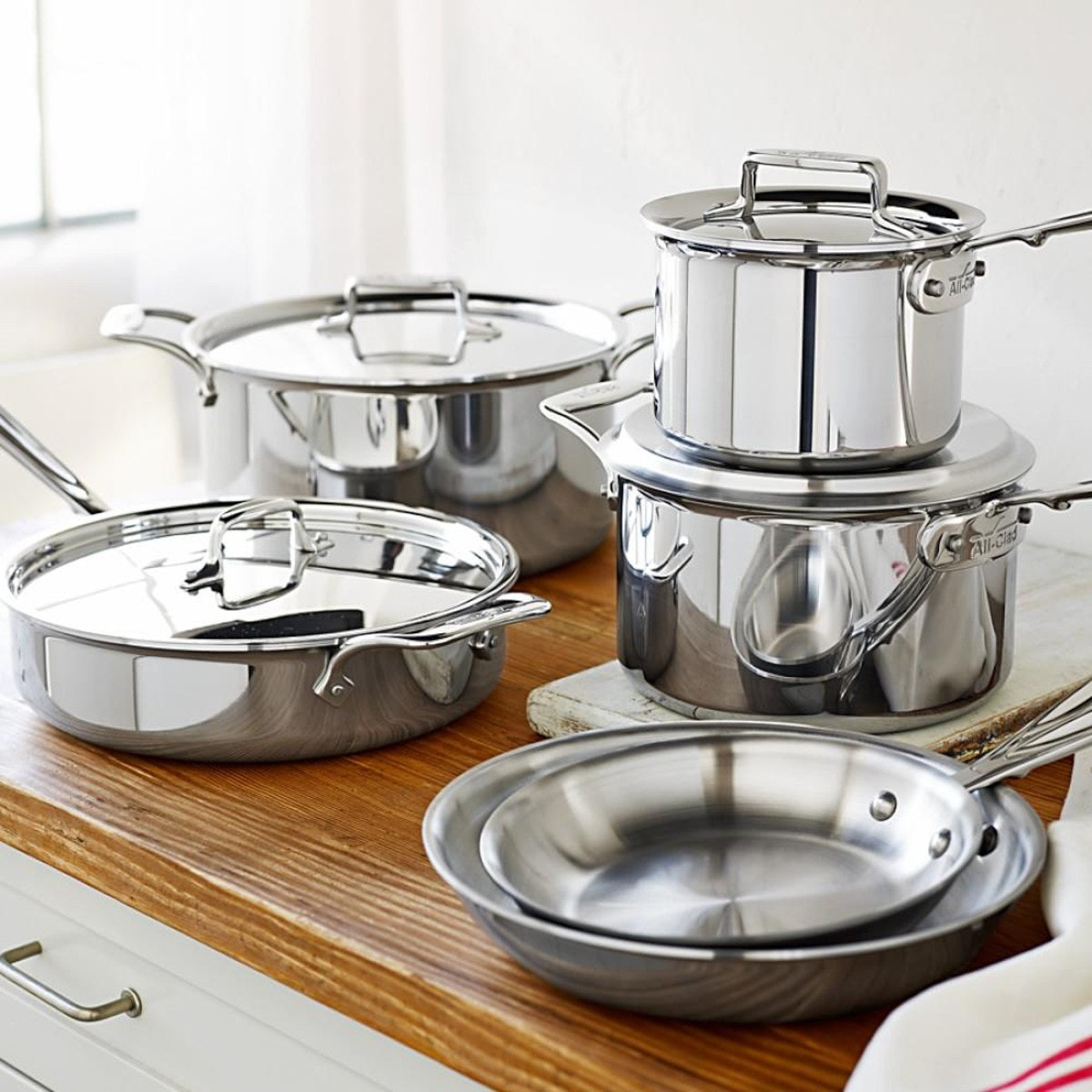Williams Sonoma's Clearance Sale Has All-Clad, Le Creuset, & More Cookware Up To 75 Percent Off