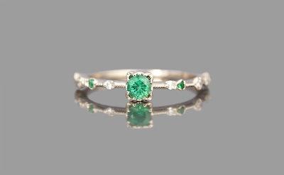 Emerald Paeonia Ring