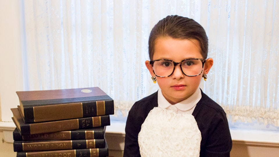 kid in homemade Ruth Bader Ginsburg halloween costume