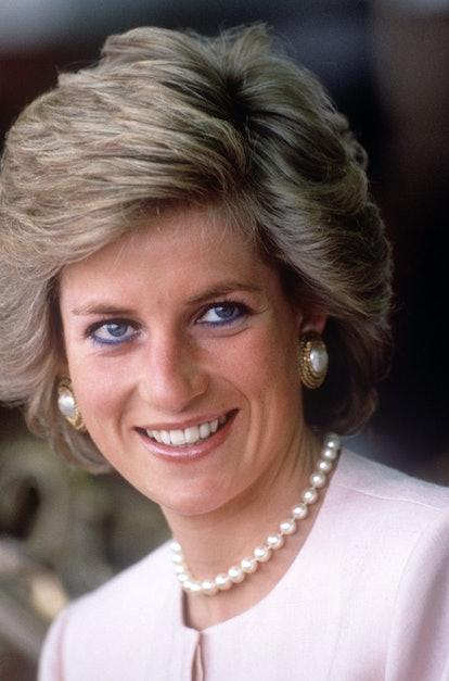 Princess Diana pearl earrings