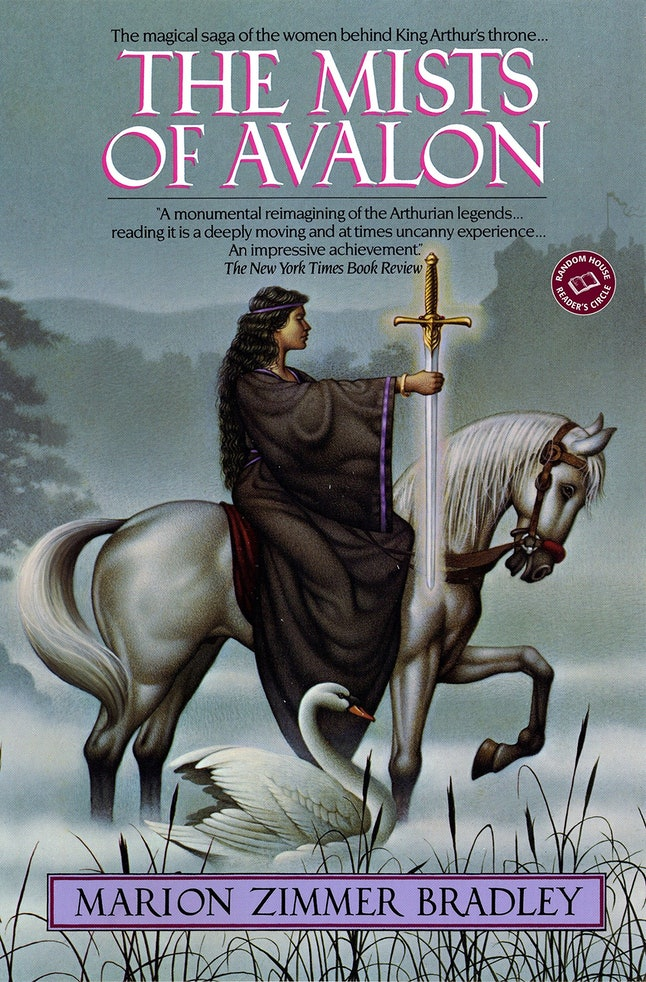 The cover of The Mists of Avalon by Marion Zimmer Bradley.