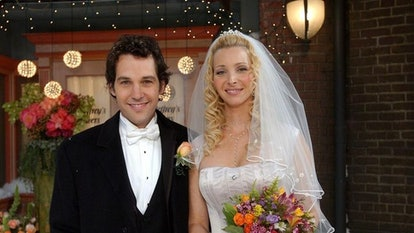 Paul Rudd, pictured here with Lisa Kudrow on 'Friends,' recalled his awkward first meeting with Jenn...