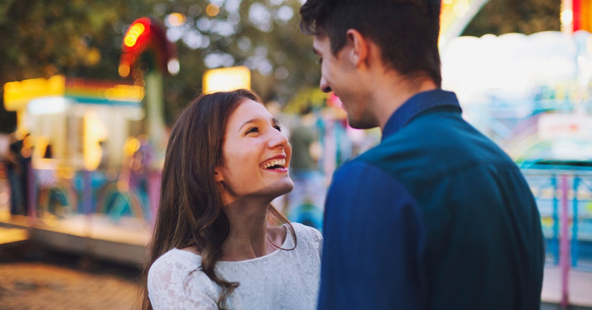 10 Disneyland Activities For Couples For The Most Magical Date Yet