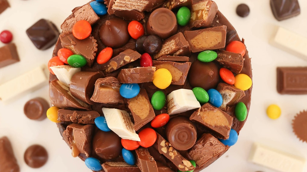 Sprinkles' Candy Bowl Layer Cake for Halloween 2019 features 13 different candies.