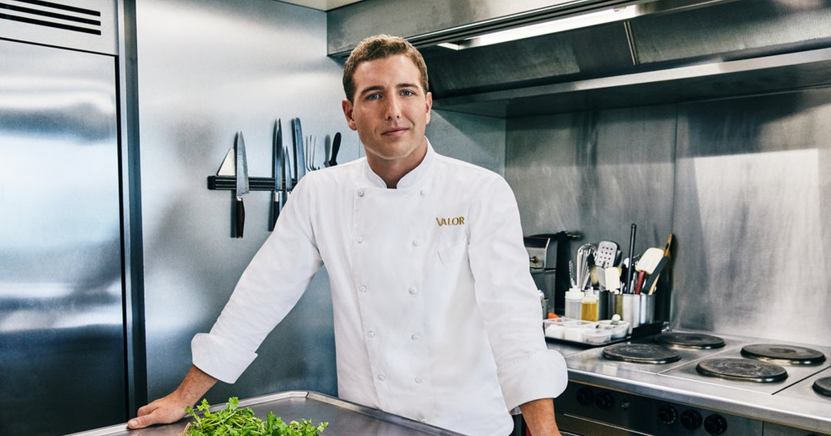 Kevin Dobson From 'Below Deck' Is Season 7's New Chef & His Food Looks Delish