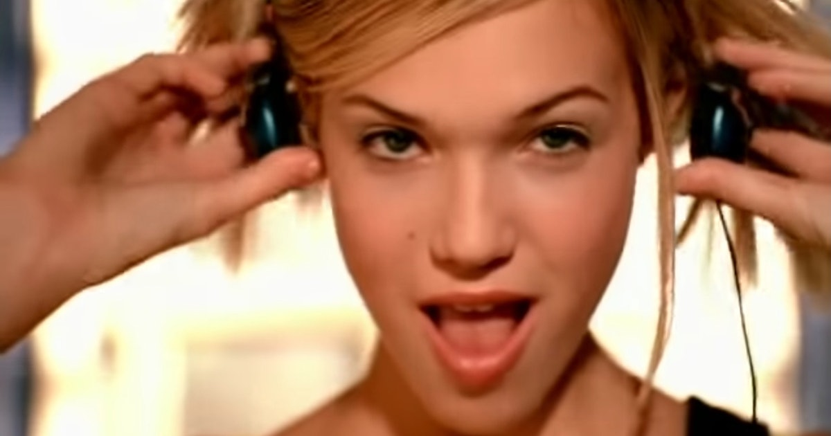 Mandy Moore's New TV Show '90's Popstar' Is Inspired By Her Own Singing Career