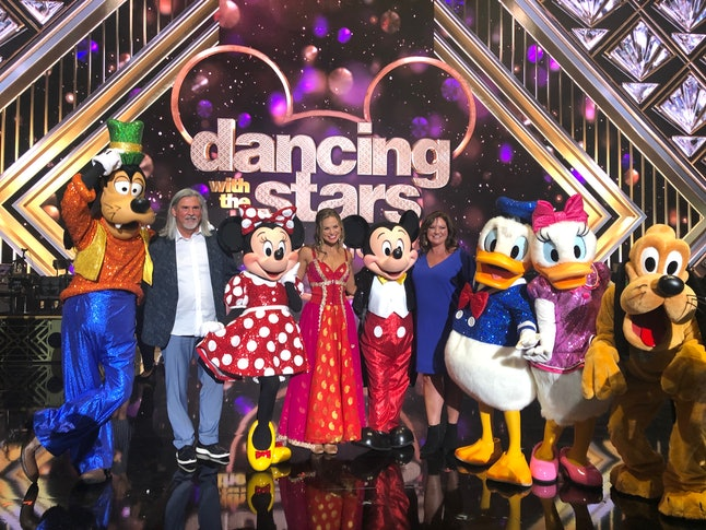 Hannah Brown, her parents, and some Disney Land guests at DWTS.