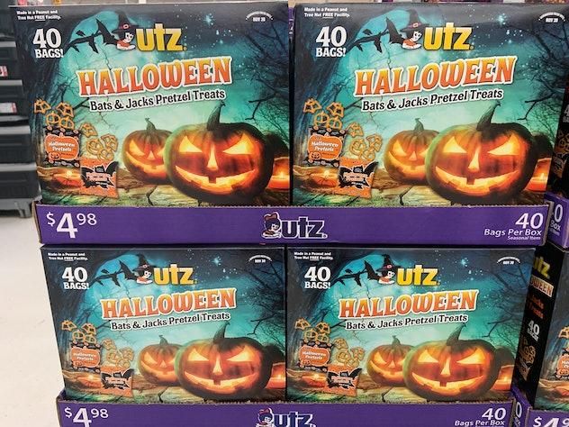 Utz Halloween Bats & Jacks Pretzel treats for Halloween