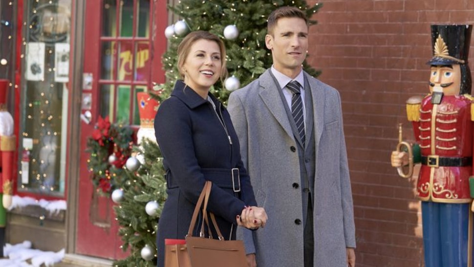 A Town Without Christmas.Christmas Con Is The Fan Convention Of Your Hallmark Movie