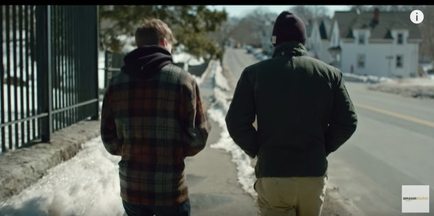 Manchester By The Sea movie trailer, two men walk on a snowy sidewalk