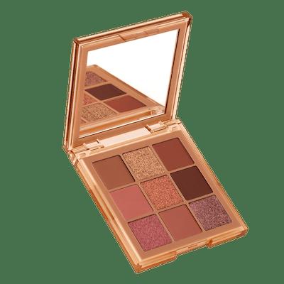 NUDE Obsessions Eyeshadow Palette in Medium
