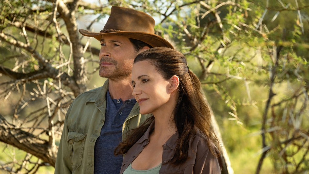Kristen Davis and Rob Lowe in Netflix's Holiday In The Wild