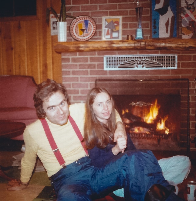 Ted Bundy spends time with girlfriend Elizabeth Kloepfer featured in the Amazon Prime docuseries