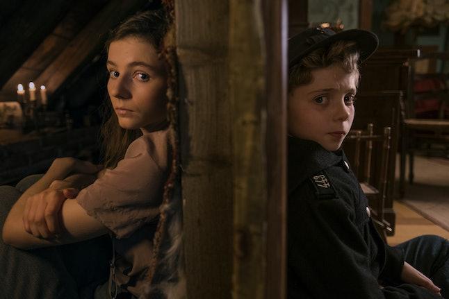 Thomasin McKenzie and Roman Griffin Davis as Elsa and Jojo in Jojo Rabbit